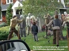 Love this - a Walking Dead yard for Halloween.