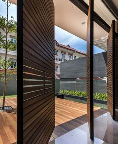 Modern Luxurious Townhouse Located in Singapore - InteriorZine