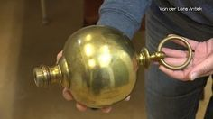 De restauratie van een antieke Hollandse kroonluchter is afgerond. Het is een kroonluchter voor een liefhebber van ouderwets vakwerk. Hij is inmiddels verkocht. Veel andere Hollandse kroonluchters op www.lansantiek.com