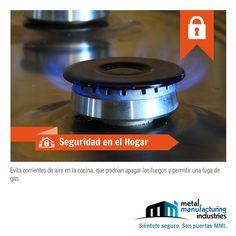 Te recomendamos por tu #seguridad y la de tu familia revisar si hay alguna fuga de gas y evitar corrientes de aire en la cocina que puedan apagar la llama de la estufa para evitar un accidente. ¡Buen día!
