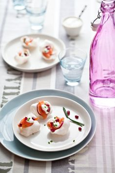 Gravlax and Prawn Cracker Appetizer