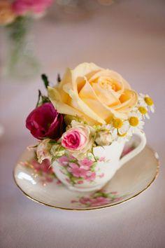 New wedding table flowers pink tea cups 55 Ideas Wedding Table Centerpieces, Wedding Table Settings, Wedding Flower Arrangements, Flower Centerpieces, Floral Arrangements, Wedding Decorations, Centerpiece Ideas, Table Arrangements, Vase Ideas