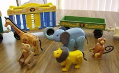 Childhood Memory Keeper: Retro Pop Culture from the 1960s, 1970s and 1980s: Fisher-Price Circus Train