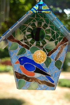 Bird House Stained Glass Mosaic Blue Bird by NatureUnderGlass, Mosaic Diy, Mosaic Crafts, Mosaic Projects, Mosaic Glass, Stained Glass Designs, Mosaic Designs, Stained Glass Patterns, Stained Glass Art, Mosaic Animals