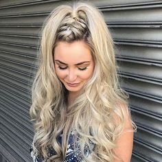 40 Effortless Braid & Updo Hairstyles – STYLE SKINNER You can collect images you discovered organize them, add your own ideas to your collections and share with other people. Braided Hairstyles Updo, Modern Hairstyles, Hairstyles For Round Faces, Braided Updo, Summer Hairstyles, Easy Hairstyles, Hairstyle Ideas, Wedding Hairstyles, Braided Hairstyles For Long Hair