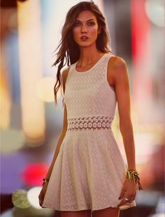What to wear to the Rosewood @Lisa Phillips-Barton White Night Party #LWD #dress