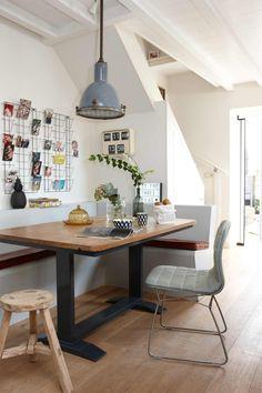 Woonkamer | Living room | Photographer Simone de Geus | Styling Maya Burghouts | Text Els Meyer | Bron: vtwonen 03-2016