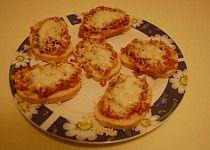 Zapečené chlebíčky se sýrem