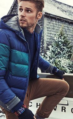 Snow days are the best days when you have a down jacket from Tommy Hilfiger to keep you going strong.