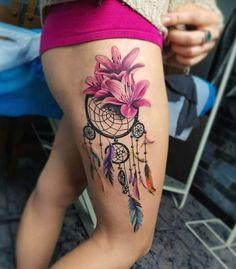 Tatouage femme Attrape rêve Aquarelle sur Cuisse