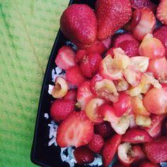 Pierwsze czeresienki 🍒🍒🍒🍓🍓😁 #cherries #strawberries #strawberry #strawberryaddict #cherryberry #fruitsalad #rice #quaek #keto #ketodiet #ketolife #ketorecipes #ketosis #ketofood #glutenfree #sugarfree #countingcalories #loosingweight #cooking #fit #healthylifestyle #healthy #healthydiet #heakthyfood #love #fav #instafood #summer #summerfood #summerfruit