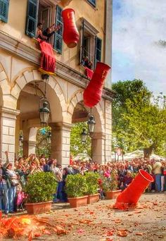 In Corfu, Greece, one of their Easter traditions is to throw pots out their window and smash them on the streets Beautiful Islands, Beautiful Places, Corfu Town, Corfu Island, Greek Easter, Easter Traditions, Greece Travel, Greek Islands, Along The Way