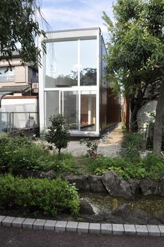 M House / D.I.G Architects  My future dream house includes having a very large windows, or even the whole side of my house like this 💖