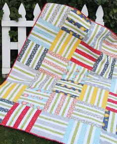 Wicker Jelly Roll Quilt - Scrap Basket here I come!!!! Use Rag Quilt style but only on the squares