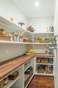Traditional design by Chic on the Cheap. Large walk in pantry perfect for organi… Traditional design by Chic on the Cheap. Large walk in pantry perfect for organizing. Chic on the Cheap – By Mark Dalton chiconthecheap.ne… - Own Kitchen Pantry Kitchen Pantry Design, Kitchen Organization Pantry, Kitchen Interior, Organization Ideas, College Organization, Pantry Ideas, Pantry Laundry Room, Pantry Closet, Walk In Pantry