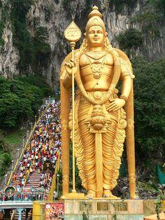 Lord Murugan Statue is the tallest statue of Hndu deity in Malaysia and second tallest statue of Hindu deity in world. Bull Images, Bull Pictures, Hanuman Photos, Hanuman Images, Lord Murugan Wallpapers, Lord Vishnu Wallpapers, Lord Ganesha Paintings, Ganesha Art, Saraswati Devi