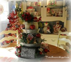 Galvanized Tiered Tray Christmas Centerpiece - I love adding Holiday decorations to this tiered galvanized tray I got at Sam's Club this summer! It makes a wond… Galvanized Tray Centerpieces, Galvanized Tiered Tray, Chalkboard Centerpieces, Christmas Kitchen, Rustic Christmas, Vintage Christmas, Primitive Christmas, Christmas Centerpieces, Centerpiece Decorations