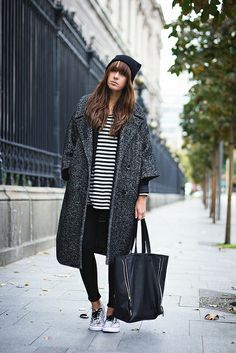 Mastering a cool and casual pregnancy/maternity style with only these 4 fashion tips and inspirational looks Style Désinvolte Chic, Style Casual, Mode Style, Style Blog, Casual Chic, Style Me, Simple Style, Looks Street Style, Street Look