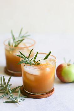 Bourbon Apple Cider, Apple Cider Cocktail, Bourbon Cocktails, Fall Cocktails, Cocktail Drinks, Cocktail Recipes, Bourbon Drinks Winter, Bourbon Cider Recipe, Drink Recipes