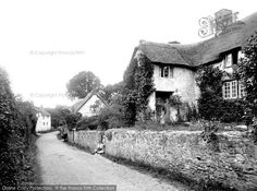 Old Cleeve, The Pillared Cottage 1930, from Francis Frith