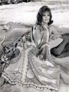 Gina Lollobrigida,