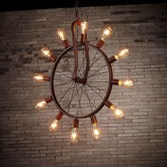 A vintage industrial pendant lighting could be applied as an idea of lighting when you want to renew the decoration concept of your room. Farmhouse Lighting, Rustic Lighting, Industrial Pendant Lights, Pendant Lighting, Chandelier, Bar Country, Deco Cafe, Diy Luminaire, Café Bar