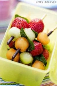 brochettes fruits/mikados