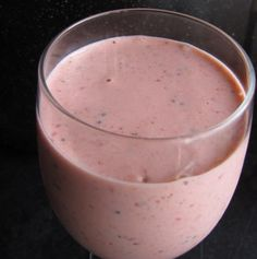Healthy Breakfast Smoothies, I'll have to try this ! Healthy Recipes On A Budget, Easy Smoothie Recipes, Easy Smoothies, Fruit Smoothies, Breakfast Detox Smoothie, Healthy Drinks, Healthy Snacks, Healthy Eating, Healthy Vegetables