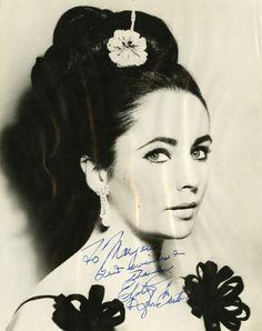 Photo signed by Elizabeth Taylor circa 1967.