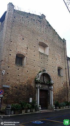 Chiostro di Sant'Agostino #Recanati #Marche #Italia #Viaggio #Viaggiare #AlwaysOnTheRoad