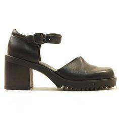 90s Nine West Mary Jane Shoes / Chunky Block Heel / by nickiefrye, $48.00
