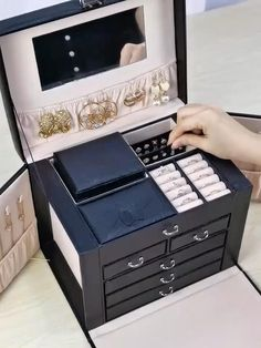 Lockable Five Layer Leather Jewelry box with Mirror , Portable Travel Case Jewelry Box With Lock, Leather Jewelry Box, Travel Jewelry Box, Hanging Necklaces, Luxurious Bedrooms, Storage Drawers, Diy Gifts, Room Decor, House Design