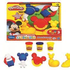 Mickey Mouse Oyun Seti tam minik ellere göre. Setin içinde küçük Play-Doh severlerin kolayca kavrayıp kullanabilecekleri, Disney Mickey Mouse Clubhouse karakterli 5 eğlenceli araç ve 3 farklı renk oyun hamuru bulunuyor. 3 yaş+