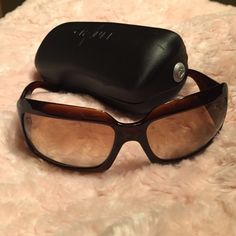 Chanel Mother of Pearl Sunglasses Like new. Chanel Made In Italy Brown mother of Pearl CC model 5076-H. Case included CHANEL Accessories Sunglasses
