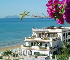 Hotel Aurora is where we stayed at in Sperlonga, Italy! Sperlonga Italy, Find Cheap Hotels, Travel Tags, Beautiful Places To Travel, Amazing Places, Bus Travel, Tourist Information, Seaside Towns, Hotel Reservations