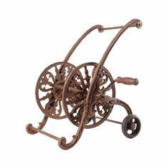 Porte-tuyau en fonte décoratif sur roues