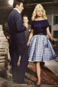 Quelques autres jolies photos de Brigitte Bardot en robe Vichy.