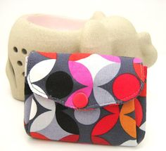 All wrapped up: Double Flap Pouch Tutorial Translation