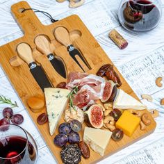 How To Make A Charcuterie And Cheese Platter – Best Appetizer For The Holidays