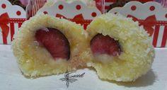 beijinho recheado com cerejas ( fruta fresca)
