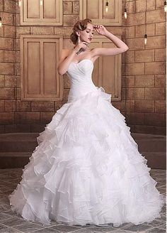 Chic Organza Sweetheart Neckline Ruffled Ball Gown Wedding Dresses