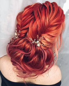 Gorgeous bridal hairstyles ,braid hairstyle with messy updo | updo hairstyle #redhair #messyupdo #bridalupdo #weddinghairstyle #weddingupdo #chignon #weddinghairstyles #bridehair #upstyle #updohairstyles #weddinghair