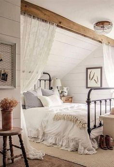 Awesome Rustic Master Bedroom Design And Decor Ideas - Regardless of whether it's for your master bedroom at home or the bedrooms in your lodge out at the lake, rustic sheet material makes an ideal expansi. Romantic Bedroom Decor, Farmhouse Master Bedroom, Stylish Bedroom, Master Bedroom Design, Modern Bedroom, Contemporary Bedroom, Bedroom Rustic, Master Suite, Bedroom Designs
