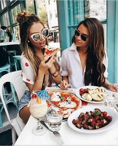 Pin by graci layne on gal pals bff goals, best friend pictures, best friend photography. Photos Bff, Best Friend Pictures, Bff Pictures, Cute Photos, Cute Friend Photos, Vacation Pictures, Tumblr Bff, Ft Tumblr, Hipster Vintage