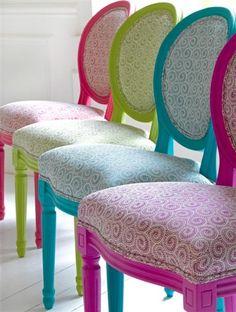 Un souffle Boho sur des chaises médaillon de style Louis XVI