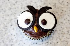 Owl Cupcakes- just use Oreos and M's!