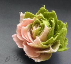 New Sweet Pink Apple Green Ombre Felt Flower Brooch