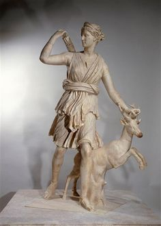   Artémis de Versailles, Diane chasseresse accompagnée d'une biche   Images d'Art