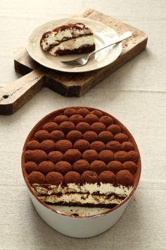 イタリア料理 ティラミス 手作り レシピ 作り方 Sweets Recipes, Candy Recipes, Brownie Recipes, Baking Recipes, Homemade Sweets, Homemade Cakes, Custard Desserts, Unique Desserts, Sweets Cake