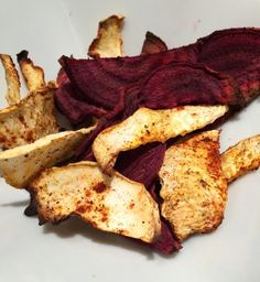 Home-made vegetable chips. Beet and parsley